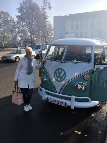 VW_bulli_t1_samba-sightseeing_onstage_local_2018_berlin#2